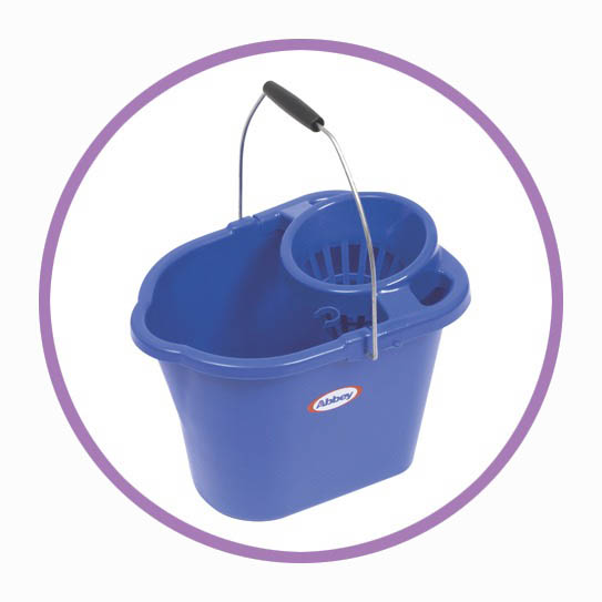 12 LTR Bucket with Wringer